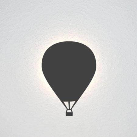Fesselballon mit Korb.